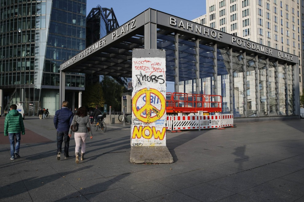 Il Muro di Berlino, girotondo intorno al mondo