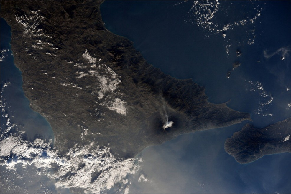 Prima neve sull'Etna, lo spettacolo dalla Iss