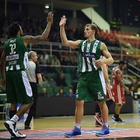 Basket, Milano cade ad Avellino. Sassari da sola in vetta
