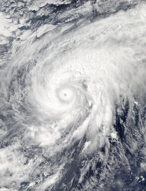 Giappone, il tifone Nuri è un 'mostro': venti a 290 chilometri all'ora