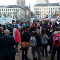 """Ast, il presidio degli operai a Bruxelles: """"L'Europa ci aiuti"""""""