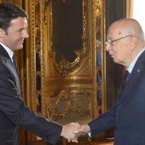 La donna, l'ex premier e un gruppo di outsider: i tre dossier di Renzi per la corsa al Colle