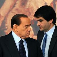 <strong>Fitto: &quot;Basta inseguire il premier, Berlusconi convochi organi del partito&quot;<br /></strong>