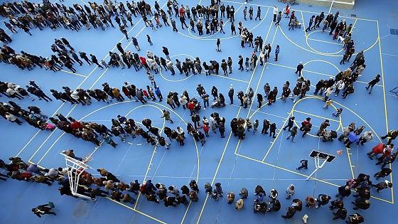 Spagna, Catalogna sfida Madrid: due milioni ai seggi, l'80,72 % ha detto sì all'indipendenza