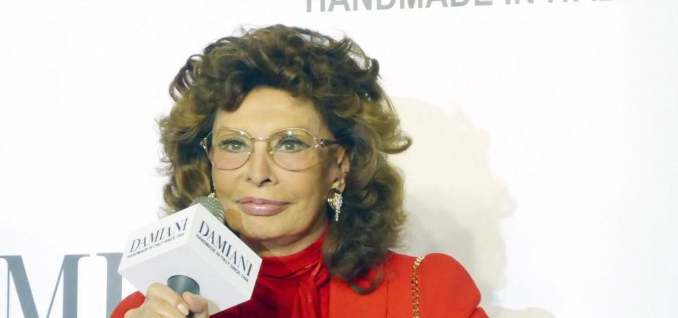 """Sophia Loren rivela: """"A Hollywood volevano che mi rifacessi il naso"""""""