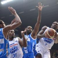 Basket: Sassari cade a Cantù, nessuna squadra imbattuta. Venezia in vetta