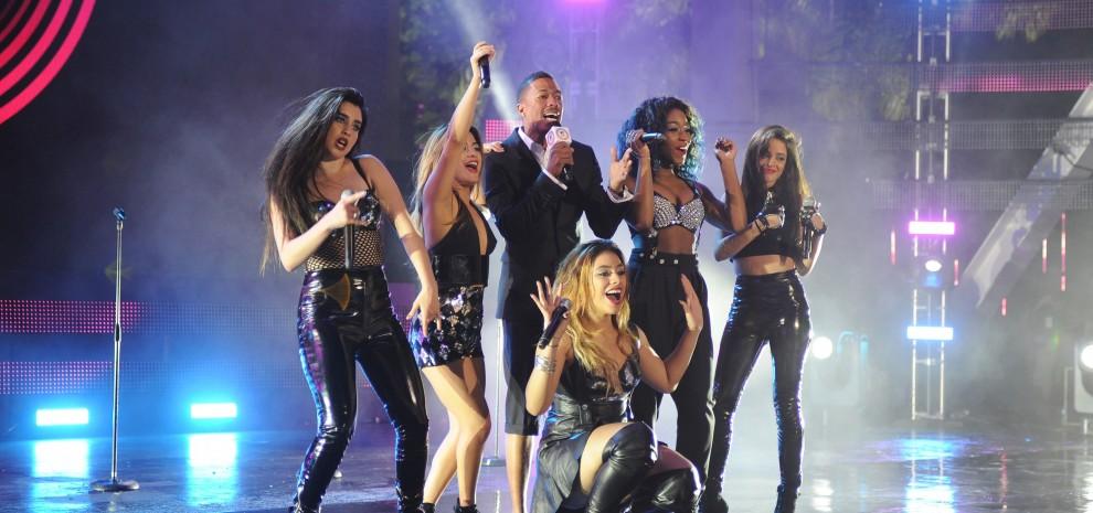 Mtv Ema, Nicki Minaj sexy e U2 con gli archi. Delusione Amoroso. Nel 2015 a Milano