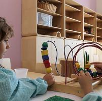 """Il metodo Montessori diventa interattivo dalle """"favole"""" alle app e al design tecnologico"""