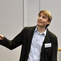 Ricercatori italiani all'estero: alla conferenza di Houston anche il mantello invisibile