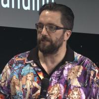 Rosetta, polemiche per la camicia con le pin-up dello scienziato inglese