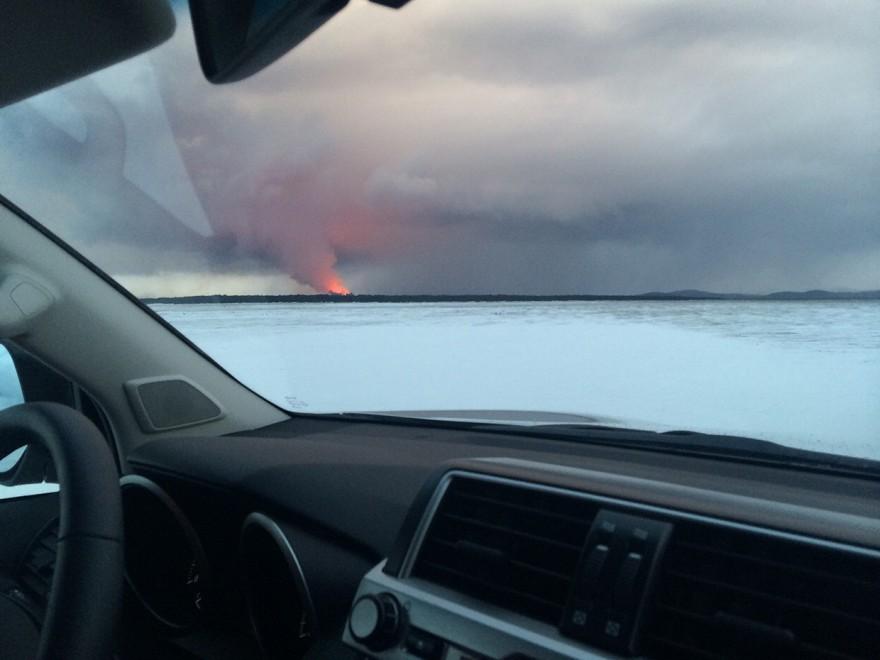 Viaggio alle pendici del vulcano: reportage tra ghiaccio e fuoco