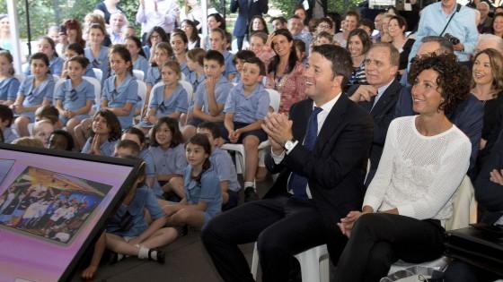 """Per Renzi tour australiano tra scuole e imprese. E scherza: """"Torno in vacanza, appena mi cacciano"""""""