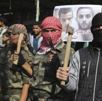 L'esultanza dei palestinesi di Rafah per l'attentato alla sinagoga
