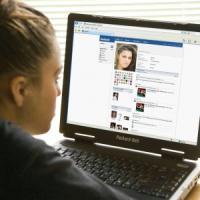 Cyberbullismo, ne è vittima un adolescente su dieci