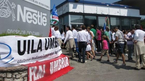 Nestlè-Perugina, licenziata per un post su Facebook. L'azienda: minata l'autorevolezza di chi fa rispettare le regole