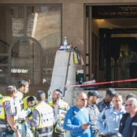 Gerusalemme,  Netanyahu ordina di distruggere case degli attentatori