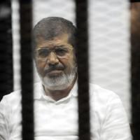 Egitto, chiesta la pena di morte per l'ex presidente Morsi