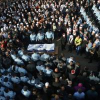 """Strage sinagoga, Italia e 4 Paesi Ue: """"Israele non abbatta le case alle famiglie dei..."""