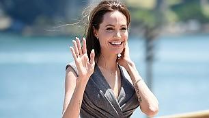 Addio al mestiere di attrice: Angelina Jolie sceglie la regia