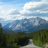 On the road: dalla Romania al Canada, le strade più affascinanti del mondo