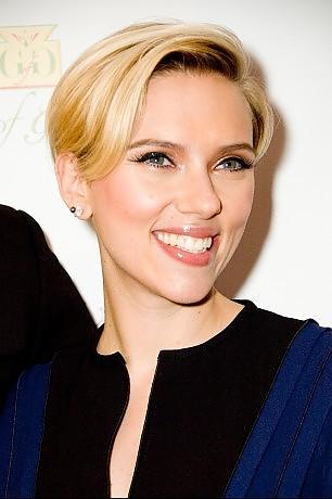 Scarlett Johansson, i trent'anni di un sex symbol