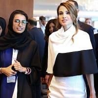 """Rania di Giordania attacca l'Is: """"Distorce l'immagine del mondo arabo e tradisce l'Islam"""""""