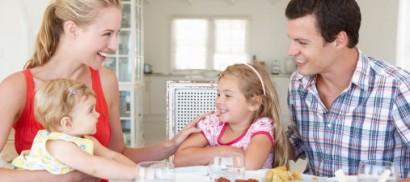 """""""Cenare con i figli li aiuta  ad andare meglio a scuola"""""""