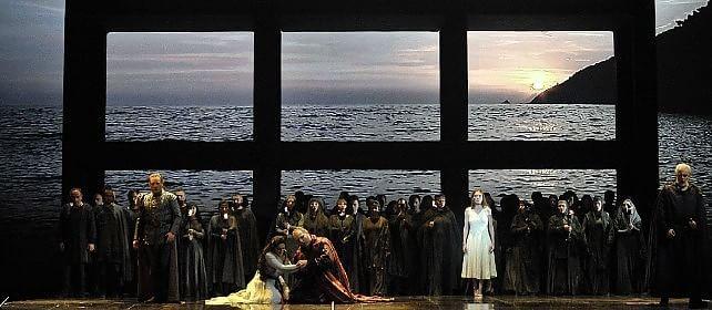 Apre Simon Boccanegra poi 100 volte Traviata   Le Foto