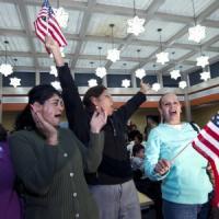 """Obama: """"L'immigrazione ha fatto grandi gli Usa"""". E cita la Bibbia: """"Siamo stati stranieri..."""