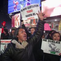 Obama, protesta a Times Square contro il governo messicano