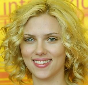 Scarlett Johansson -   Foto   trent'anni da sex symbol