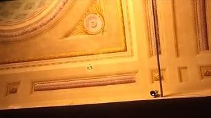 Uffizi, crolla un pezzo di soffitto Operaio esagera con lo scalpello