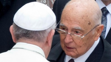 """Napolitano per oltre un'ora dal Papa  """"Un rapporto personale intenso"""""""
