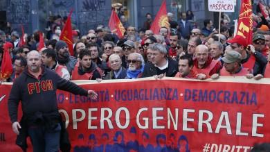Landini: Renzi non ha il sostegno  delle persone oneste Pd: così offende milioni di lavoratori
