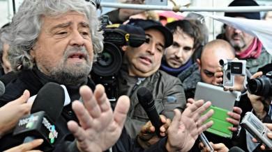 Elezioni, tensione per Renzi a Cosenza   Grillo a sorpresa a Bologna       video