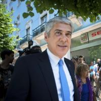 Portogallo, arrestato l'ex premier Socrates
