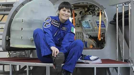 """Cristoforetti pronta a volare nello spazio. Renzi: """"Prima donna italiana, tutti orgogliosi"""""""