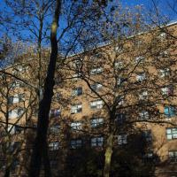 """New York, polizia uccide nero disarmato: """"Un incidente"""""""