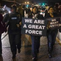 "Usa, attesa a Ferguson per decisione su uccisione Michael Brown. Appello di Obama: ""No..."