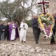 Processione e funerali per la peste degli ulivi