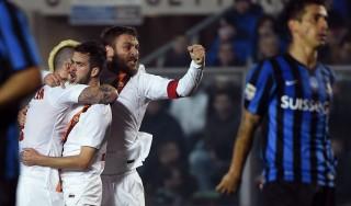 Atalanta-Roma 1-2: i giallorossi soffrono e vincono in rimonta. Scontri tra tifosi