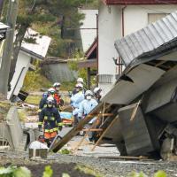 Terremoto in Giappone, crollano edifici a Nagano