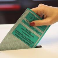 Regionali, Emilia Romagna e Calabria al voto: affluenza in calo