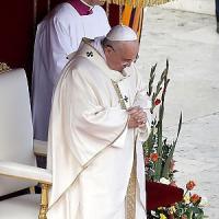 """Papa: """"Momento difficile per l'Italia, torni la concordia per il bene comune"""""""