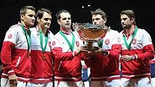 Federer, punto decisivo Primo trionfo Svizzera    foto Roger in lacrime
