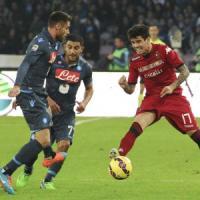 Napoli-Cagliari 3-3: gli azzurri sprecano, la doppietta di Farias gela il 'San Paolo'