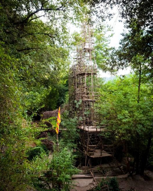 Spagna un labirinto nella foresta l 39 incredibile impresa for Cabine della foresta lacustre