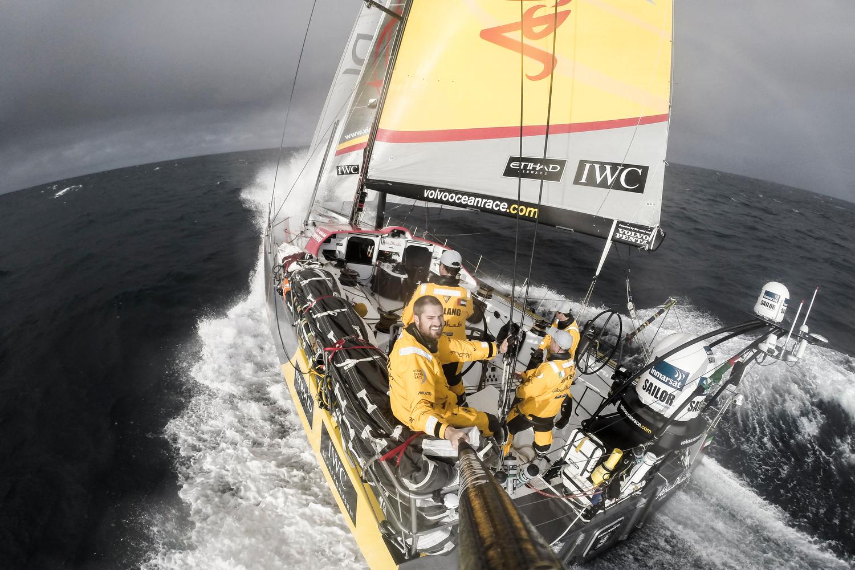 Volvo Ocean Race, Strambate indiane