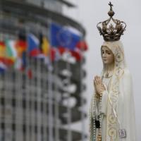 Papa Francesco: preghiera a S. Maria Maggiore prima del viaggio. Strasburgo blindata in...