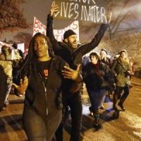 Usa, pronto a Ferguson il verdetto del Grand Jury. Timori di rivolte, città blindata